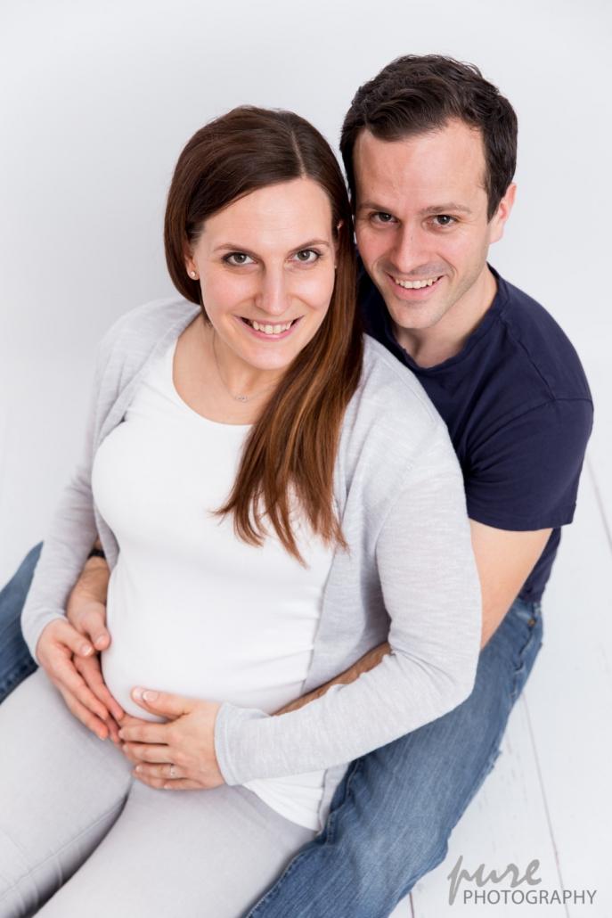 Schwangerschaftsfotograf, Judendorf-Strassengel, Pärchenfotos, Babybauchfotos Graz