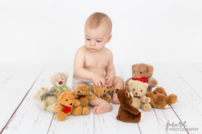 erster Geburtstag, Foto Shooting Graz, Foto mit Teddybären, Fotoshooting Junge, Windelfotoshooting