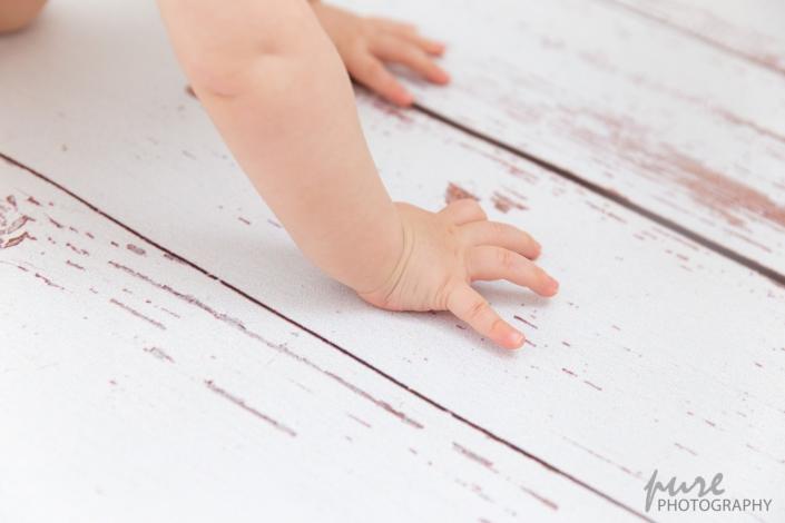 Babyhand, Detailfoto, Babyfotografie Graz, Babyfotoshooting Graz, erster Geburtstag