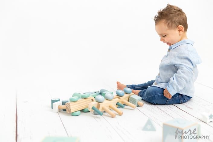 Babyshooting und Kindershooting Graz, Familienfotos, Familienfotograf, Little Dutch, Holzspielzeug