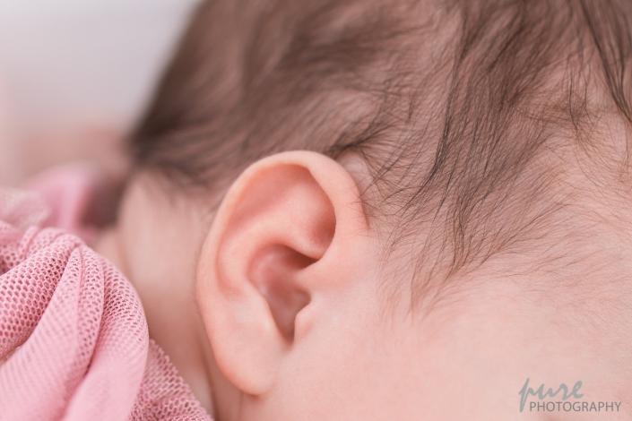 Fotoshooting Baby Graz, Detailfoto Ohr, Babyfotografin