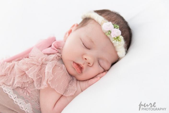 pure newborn, Neugeborenenshooting Graz, Fotoshooting Steiermark, Baby Shooting