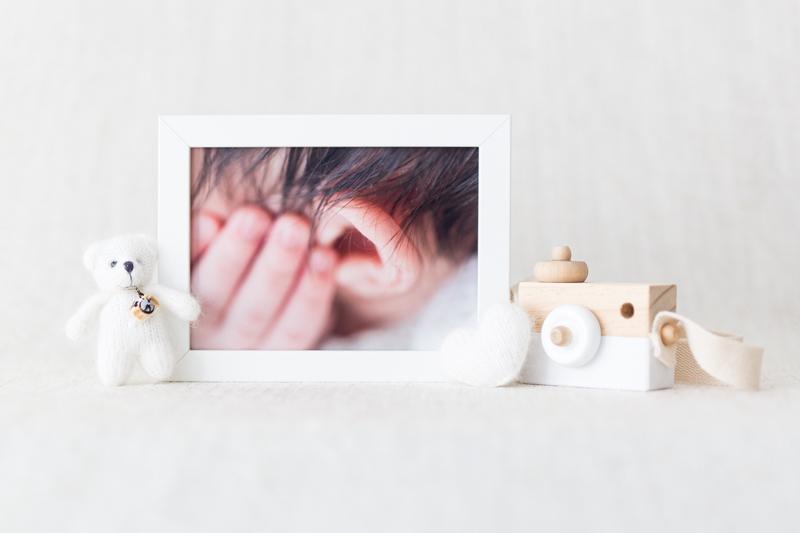 Imagefoto, pure-photography Angebot Fotoshooting, Babyfotografin, Fotograf Graz, Bilderrahmen, Holzkamera, weisser Teddy